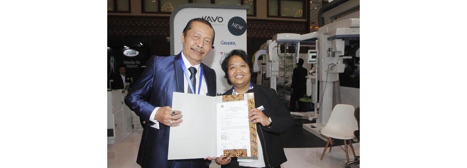 Penandatangan Nota Kesepahaman Fakultas Kedokteran Gigi Universitas Prof Dr Moestopo dengan PT Gratia Jaya Mulya